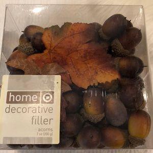 Acorn decoration filler